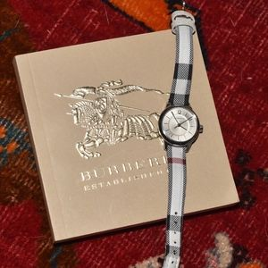 BURBERRY Nova Check Perfect Little Watch Leather